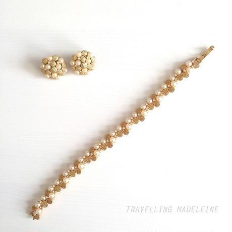 Trifari パール & ゴールドドット ブレスレット & クリップイヤリング Pearl & Gold Dots Bracelet & Clip Earrings (Su18-212Br)