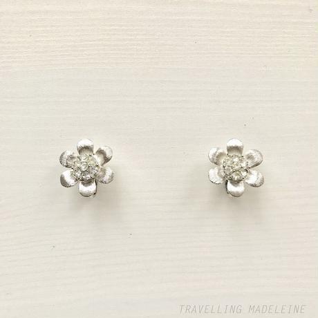 TRIFARI 1950-60's Silver flower Rhinestone Clip Earrings シルバー & ラインストーン フラワー クリップイヤリング(W18-106E)