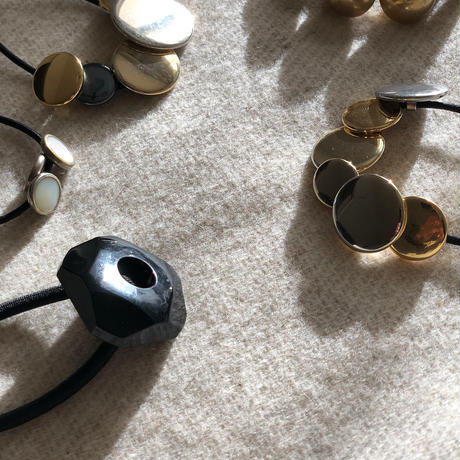 HEB / vintage buttons (Black CUBE)