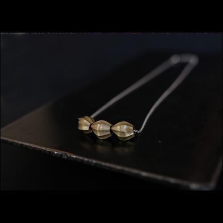 アサツキのつぼみ 3個 Brass Necklace