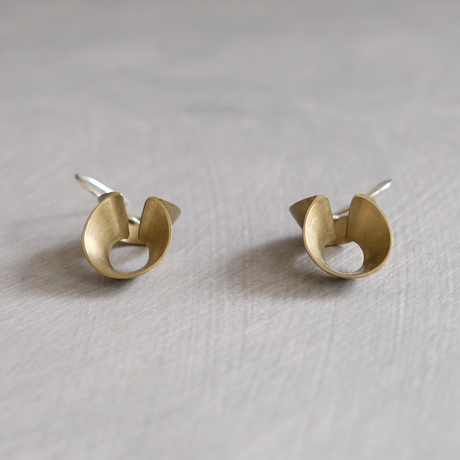 pump (S) brass hoop pierce