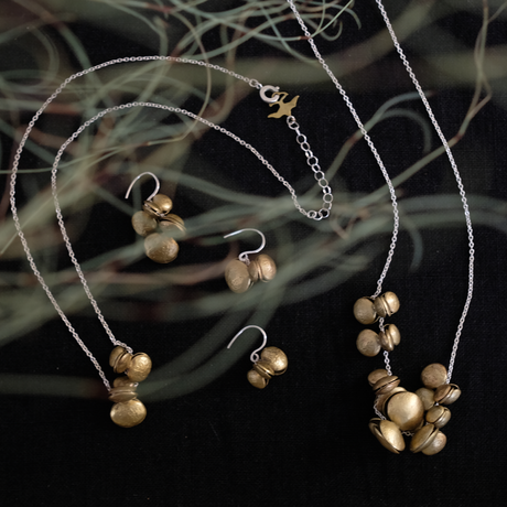 ヤマノイモのタネ 2粒 brass necklace