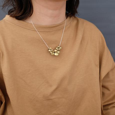 ヤマノイモのタネ 7粒 brass necklace