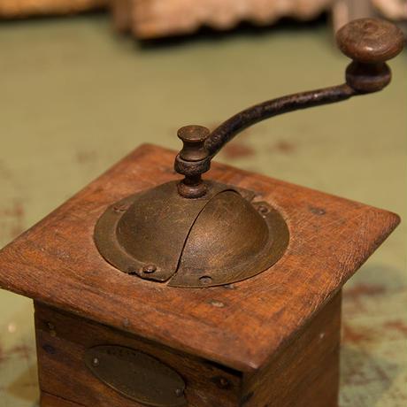 小さめコーヒーミル プジョー製