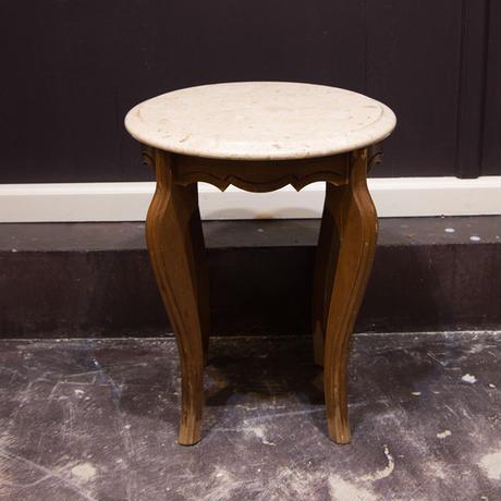 大理石天板のサイドテーブル