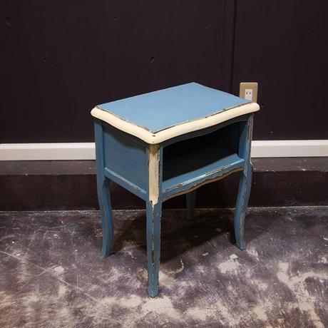 水色の小さなサイドテーブルA