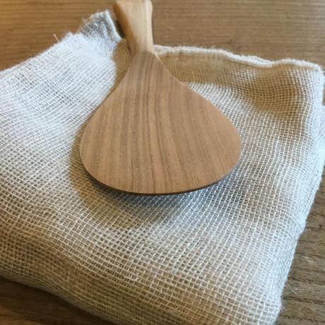 宮島工芸製作所の広島県宮島の伝統工芸品「さくらの杓子」