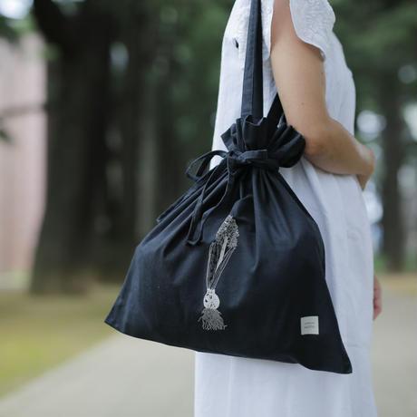 【HUTTE. × つくりら】巾着バック ヒヤシンスの球根/黒