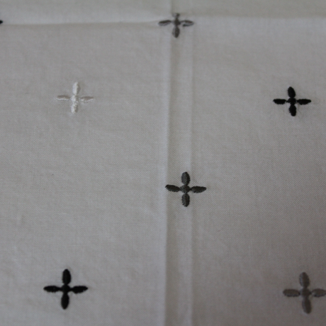 KNIFEWING EMBROIDERY BANDANA / CROSS MONOTONE