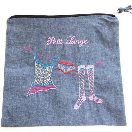 刺繍ファスナーポーチ