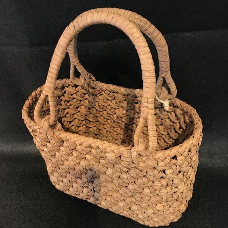 山ぶどう花結び編みかごバッグ