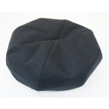 ネバートラスト 8 PANEL BERET CAP BLACK/WHITE