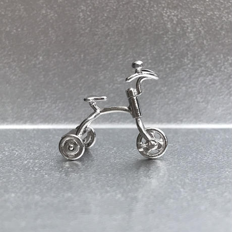 Tricycle pendant - Silver