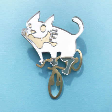 Reflector brooch  Cycling cat  -Silver & Gold-