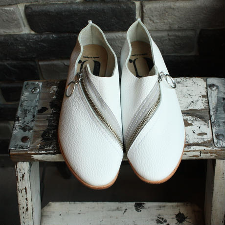 【OUTLET】ZIP SHOES (SIZE 4)