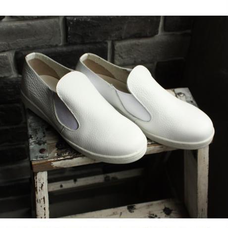 【OUTLET】 SLIPON SNEAKER SHRINK WHITE (SIZE 5)