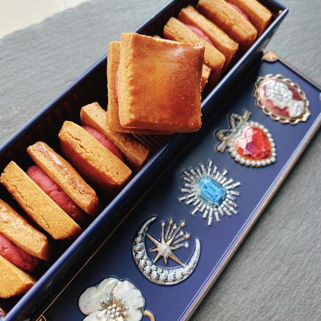 木苺バターサンドクッキーLUNA