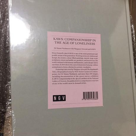 新品 KAWS NGV公式 アートビジュアルブック 日本未発売 カウズ 作品集 ※東京・森アーツセンターギャラリーのグッズではありません