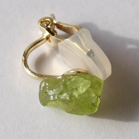 ROUGH EARRING PERIDOT