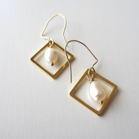 【UE101】Pearl Gold Diamond Earring (Small)14KGF(淡水パール ゴールドダイアモンドピアス  )