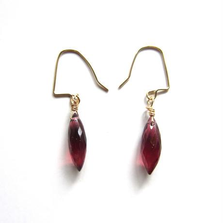 【UE058】 Mozampique Garnet Earring 14KGF(モザンピーク ガーネット ピアス)