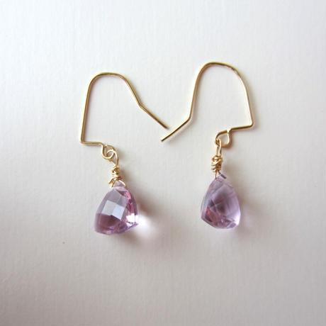 【UE078】 Triangle Pink Amethyst Earring 14KGF(トライアングルピンクアメジストピアス)
