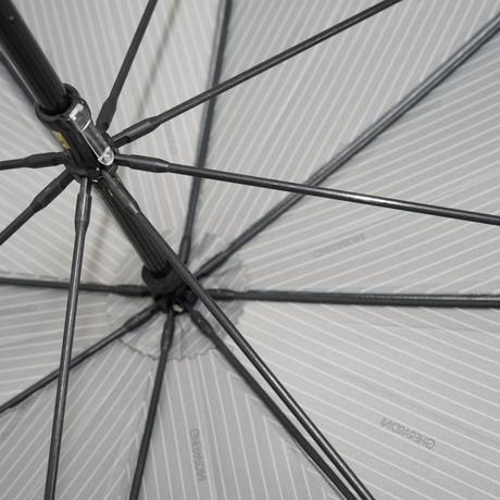 GHERARDINI×新潟オーロラ 日本製 高級紳士傘 USED超美品 グレーストライプ ロゴMix  細巻 天然木 籐手元 大判 65cm 中古 ブランド S3786