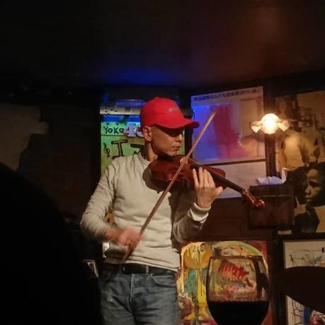 喜多直毅(歌&ヴァイオリン)加藤崇之(ギター)西嶋徹(コントラバス)