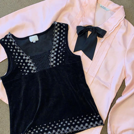 pink spring ribbon tie blouse and black retro bustier