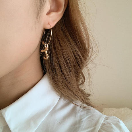 antique gold initial pierce