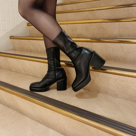 leather heel middle boots