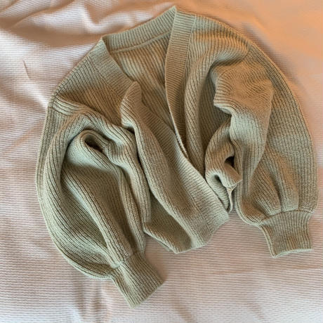 arm volume knit cardigan (pistàcchio)