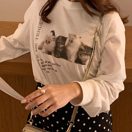 Treat cat graphic T-shirts
