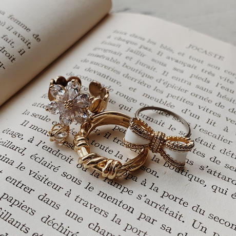 crystal flower gold ring
