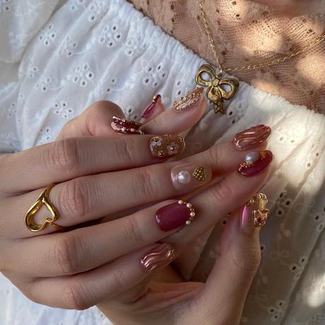 Treat ürself × Lovl nail chip (una)