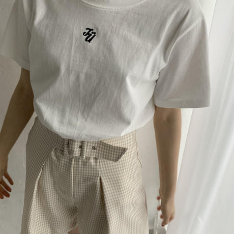 TÜ logo T-shirts(white×black)