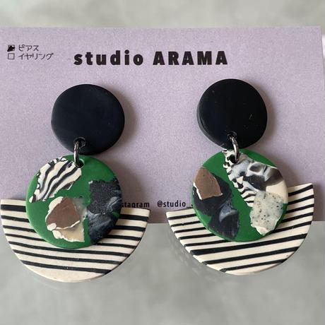 studio ARAMA  ハーフボーダー×アートサークル ピアス