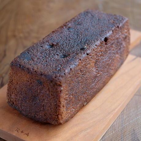 「くるみとラムレーズンのブランデーケーキ」