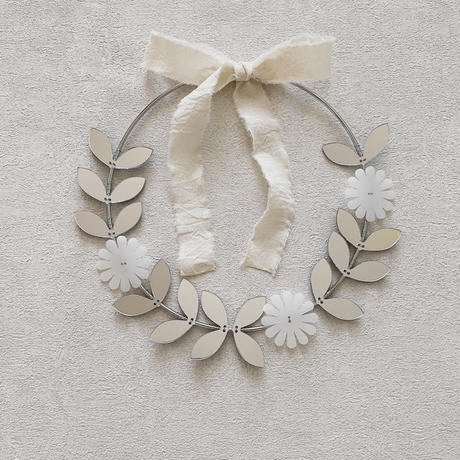 mini leaf wreath