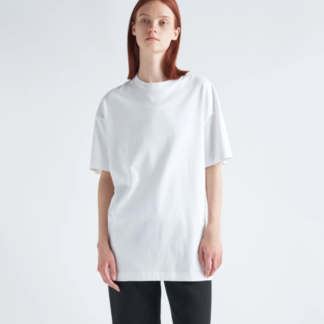 ATON   SUVIN AIR SPINNING   OVERSIZED T-SHIRT   WHITE