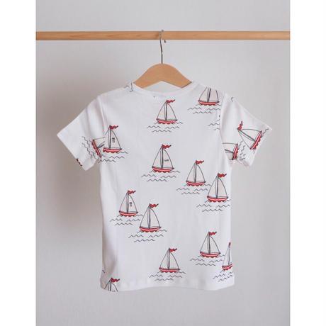 mini rodini Sailing boats aop ss tee(80/86,92/98,116/122,128/134)