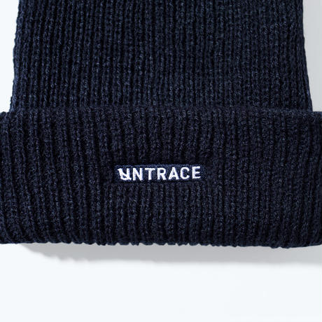 UNTRACE LOGO EMBROIDERED BEANIE (Navy×White)