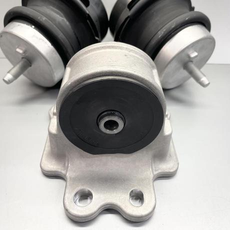 R35GT-R エンジンマウント 3点セット