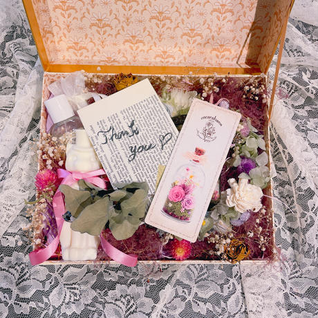 HAPPY FLOWER GIFT BOX*・.。*