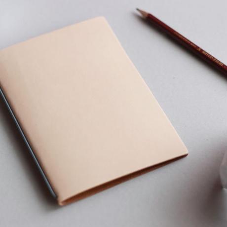 裏紙ノート(ヌメ革 生成り)