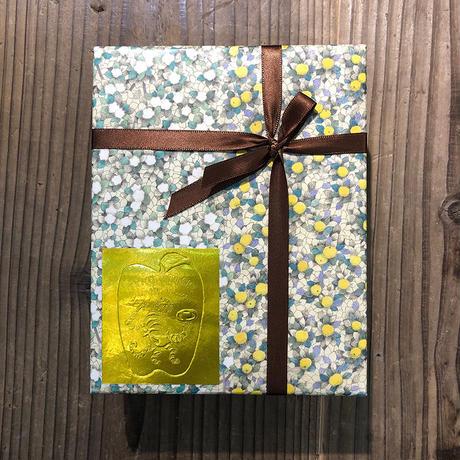 さかたきよこ「金の鳥」包装紙
