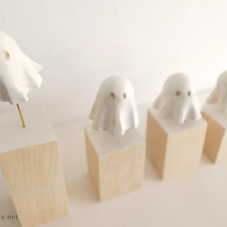 伊津野果地 木彫作品「Ghosts」