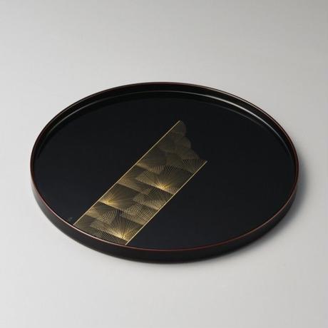 沈金帯松 尺丸盆(溜)
