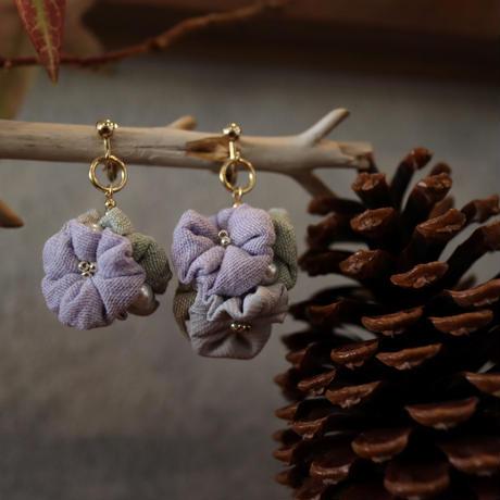 spring花集まりイヤリング