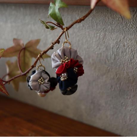 赤花集まりピアス